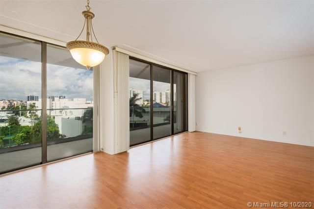 Turnberry Isle for Sale - 19707 Turnberry Way, Unit 5C, Aventura 33180, photo 2 of 8