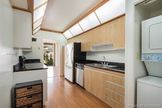 Turnberry Isle for Sale - 19707 Turnberry Way, Unit 5C, Aventura 33180, photo 4 of 8