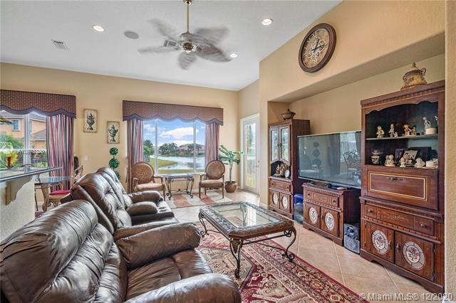 Heron Bay for Sale - 12660 NW 78th Mnr, Parkland 33076, photo 4 of 18