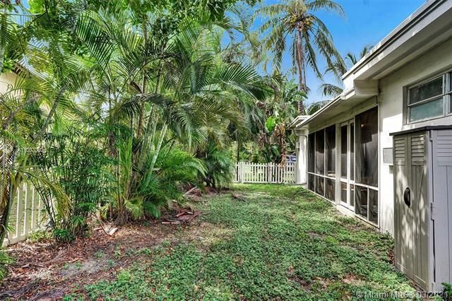 Melaleuca Gardens Resub for Sale - 529 NW 8th St, Dania 33004, photo 33 of 35