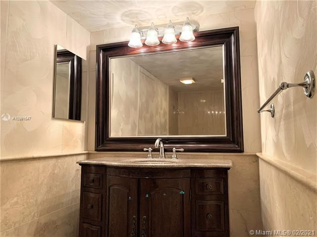 Summit for Sale - 1201 S Ocean Dr, Unit 2006N, Hollywood 33019, photo 18 of 41