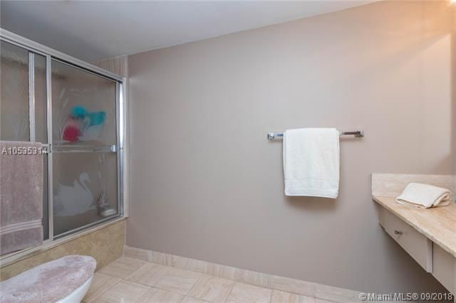 Summit for Sale - 1201 S Ocean Dr, Unit 2009N, Hollywood 33019, photo 13 of 27