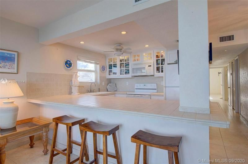 Edgewater for Sale - 400 N Surf Rd, Unit 506, Hollywood 33019, photo 10 of 22