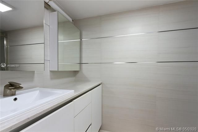 Summit for Sale - 1201 S Ocean Dr, Unit 1005N, Hollywood 33019, photo 11 of 37