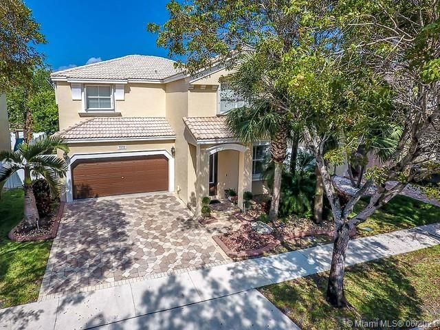 Riviera Isles for Sale - 5372 SW 155th Ave, Miramar 33027, photo 2 of 34