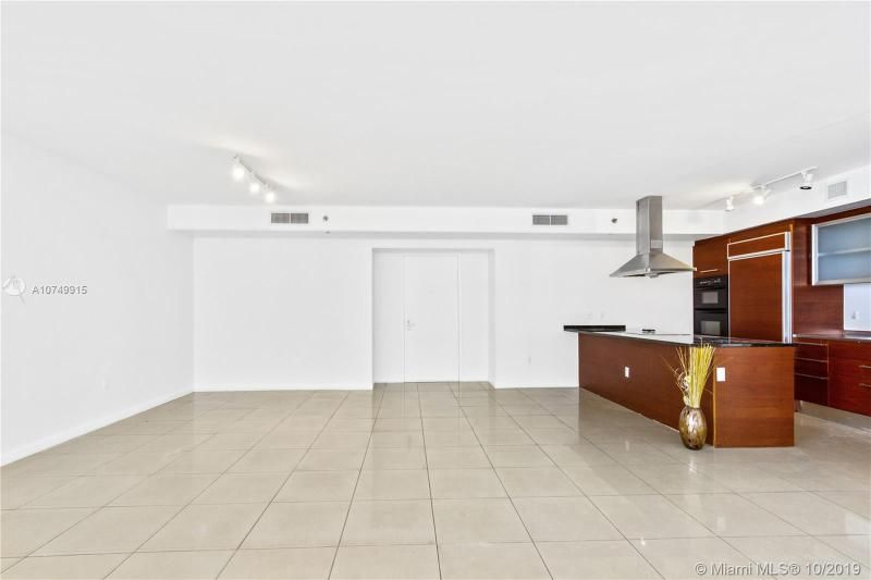 Beach Club I for Sale - 1850 S Ocean Dr, Unit 2010, Hallandale 33009, photo 10 of 48