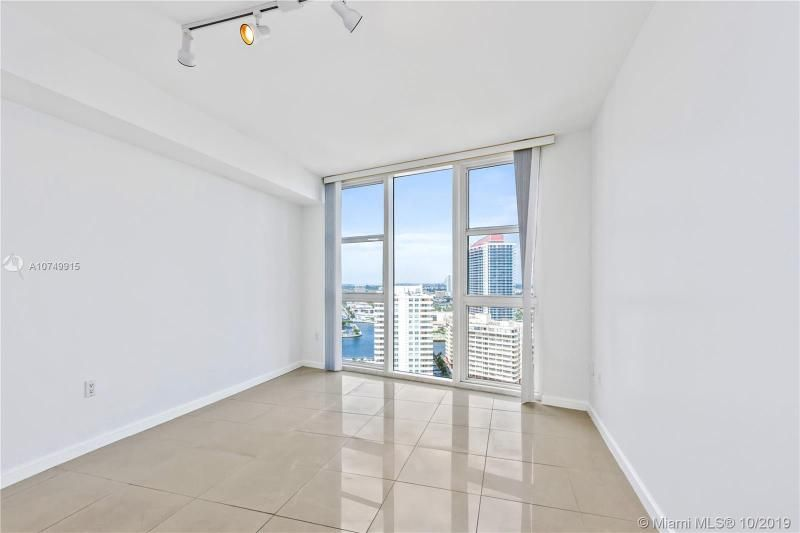 Beach Club I for Sale - 1850 S Ocean Dr, Unit 2010, Hallandale 33009, photo 15 of 48