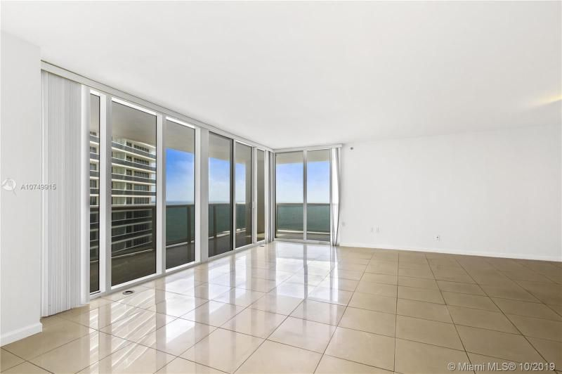Beach Club I for Sale - 1850 S Ocean Dr, Unit 2010, Hallandale 33009, photo 4 of 48