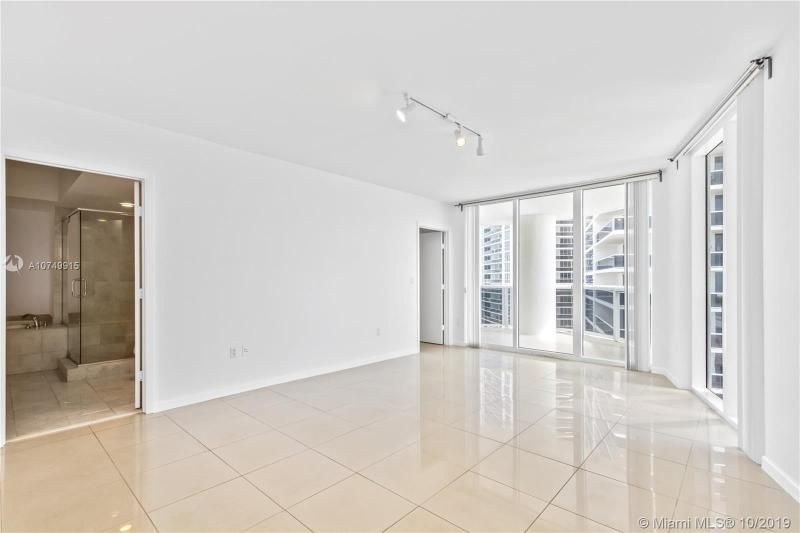 Beach Club I for Sale - 1850 S Ocean Dr, Unit 2010, Hallandale 33009, photo 5 of 48