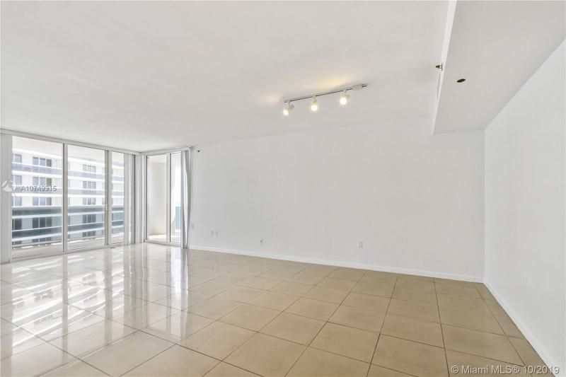 Beach Club I for Sale - 1850 S Ocean Dr, Unit 2010, Hallandale 33009, photo 6 of 48
