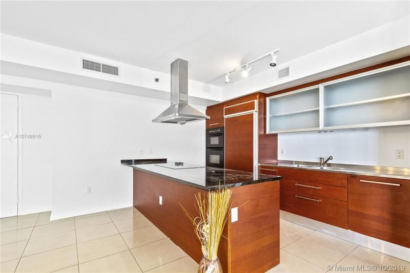 Beach Club I for Sale - 1850 S Ocean Dr, Unit 2010, Hallandale 33009, photo 7 of 48
