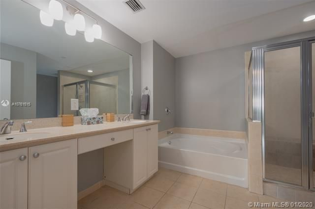 Aventura Marina for Sale - 3340 NE 190 ST, Unit LPH1709, Aventura 33180, photo 15 of 28