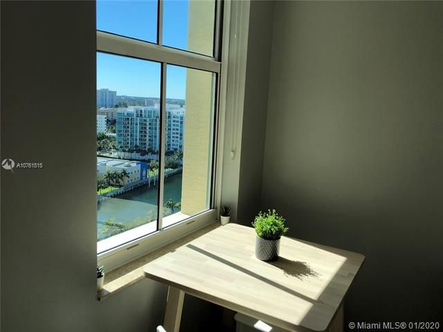 Aventura Marina for Sale - 3340 NE 190 ST, Unit LPH1709, Aventura 33180, photo 8 of 28