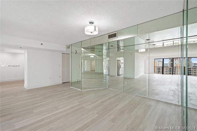 Summit for Sale - 1201 S Ocean Dr, Unit 1210S, Hollywood 33019, photo 5 of 39