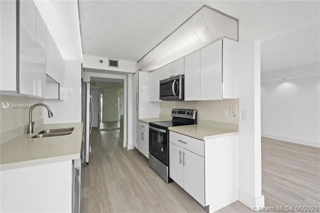 Summit for Sale - 1201 S Ocean Dr, Unit 1210S, Hollywood 33019, photo 8 of 39