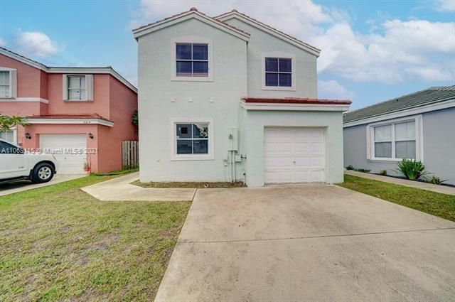 Coral Bay Replat Sec 1 for Sale - 6222 Navajo, Margate 33063, photo 1 of 37