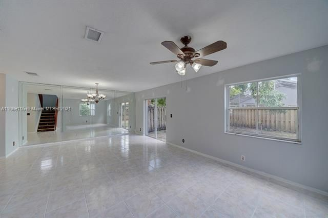 Coral Bay Replat Sec 1 for Sale - 6222 Navajo, Margate 33063, photo 10 of 37