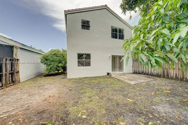 Coral Bay Replat Sec 1 for Sale - 6222 Navajo, Margate 33063, photo 17 of 37