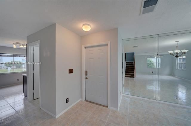 Coral Bay Replat Sec 1 for Sale - 6222 Navajo, Margate 33063, photo 6 of 37
