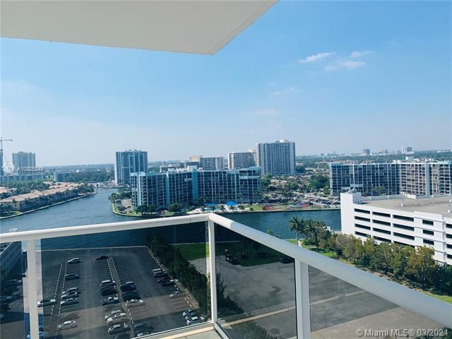 Sea Air Towers for Sale - 3725 S Ocean Dr, Unit 1627, Hollywood 33019, photo 1 of 30