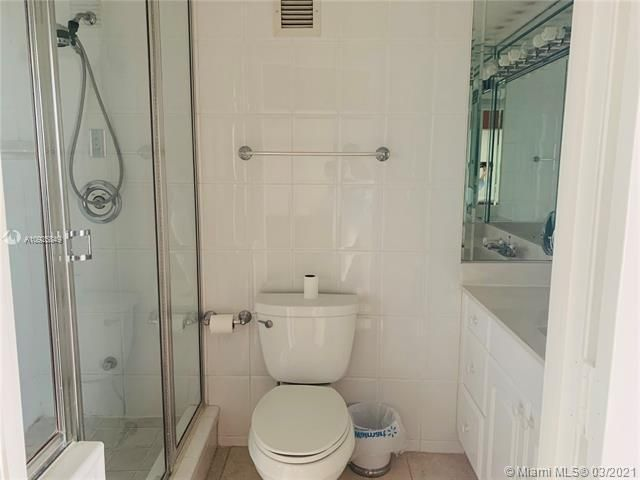 Sea Air Towers for Sale - 3725 S Ocean Dr, Unit 1627, Hollywood 33019, photo 12 of 30