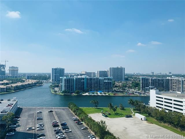 Sea Air Towers for Sale - 3725 S Ocean Dr, Unit 1627, Hollywood 33019, photo 14 of 30