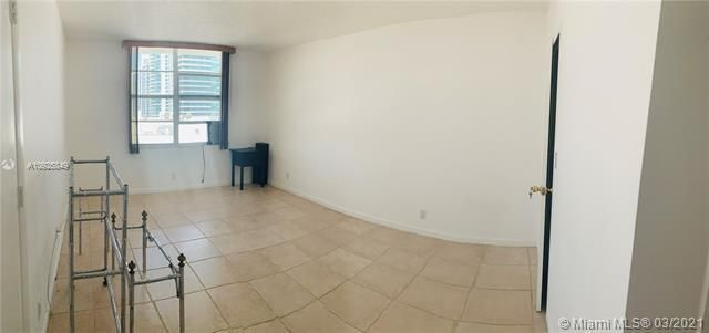 Sea Air Towers for Sale - 3725 S Ocean Dr, Unit 1627, Hollywood 33019, photo 9 of 30