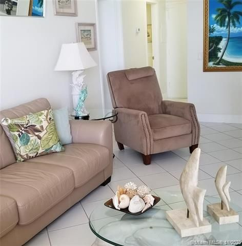 Alexander Towers for Sale - Hollywood, FL 33019, photo 8 of 30