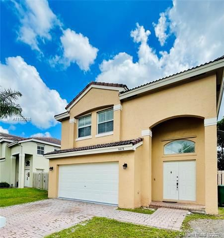 Coral Bay for Sale - 6678 Saltaire Ter, Margate 33063, photo 1 of 50