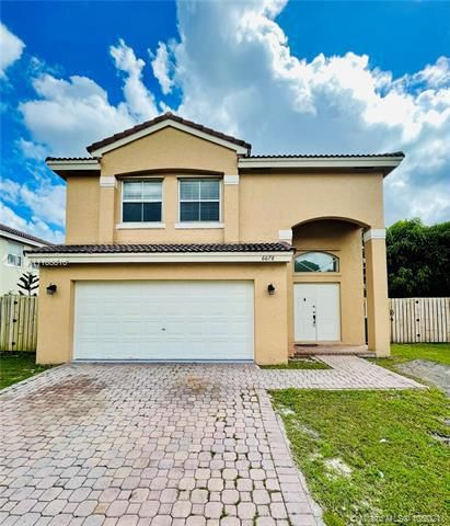 Coral Bay for Sale - 6678 Saltaire Ter, Margate 33063, photo 2 of 50