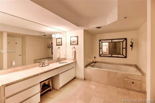 Sands Pointe for Sale - 16711 Collins Ave, Unit 1907, Sunny Isles 33160, photo 11 of 19