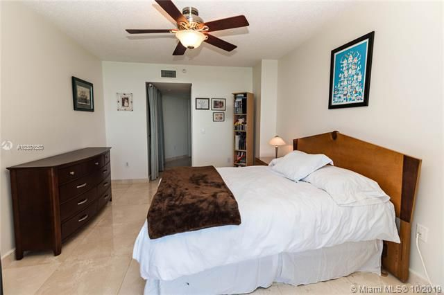 Sands Pointe for Sale - 16711 Collins Ave, Unit 1907, Sunny Isles 33160, photo 14 of 19