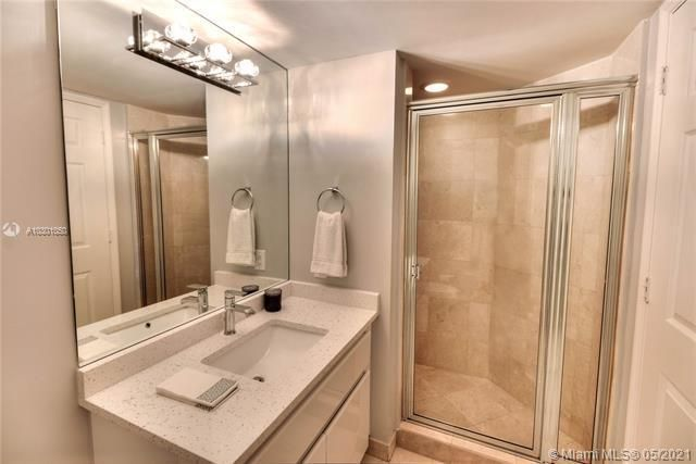 Sands Pointe for Sale - 16711 Collins Ave, Unit 1907, Sunny Isles 33160, photo 15 of 19