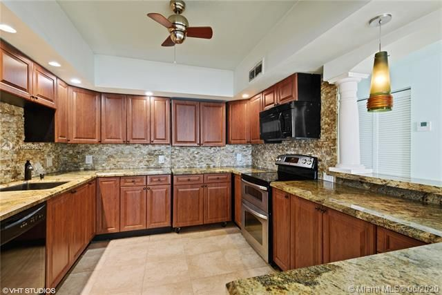 Alexander Towers for Sale - 3505 S Ocean Dr, Unit 1209, Hollywood 33019, photo 3 of 16