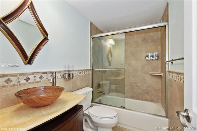 Alexander Towers for Sale - 3505 S Ocean Dr, Unit 1209, Hollywood 33019, photo 9 of 16