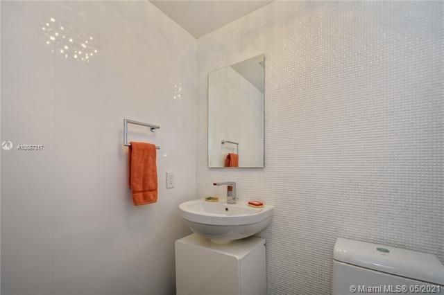 Ocean Palms for Sale - 3101 S Ocean Dr, Unit 406, Hollywood 33019, photo 13 of 36