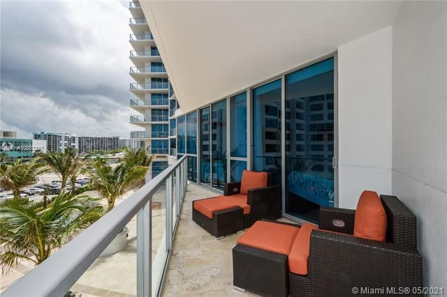 Ocean Palms for Sale - 3101 S Ocean Dr, Unit 406, Hollywood 33019, photo 17 of 36