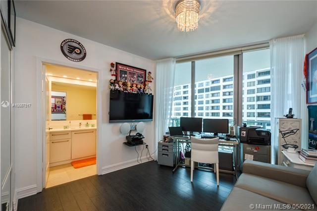 Ocean Palms for Sale - 3101 S Ocean Dr, Unit 406, Hollywood 33019, photo 18 of 36