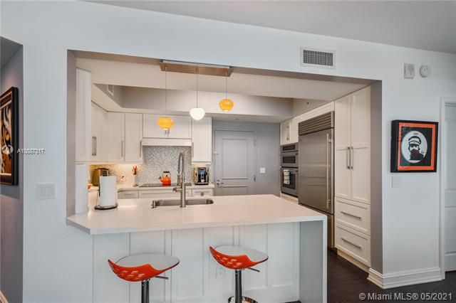 Ocean Palms for Sale - 3101 S Ocean Dr, Unit 406, Hollywood 33019, photo 5 of 36