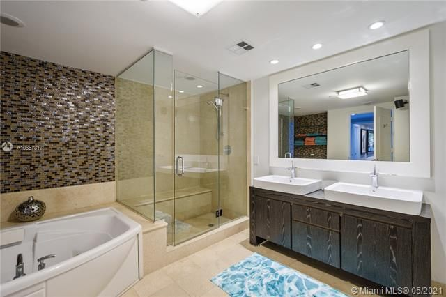 Ocean Palms for Sale - 3101 S Ocean Dr, Unit 406, Hollywood 33019, photo 9 of 36