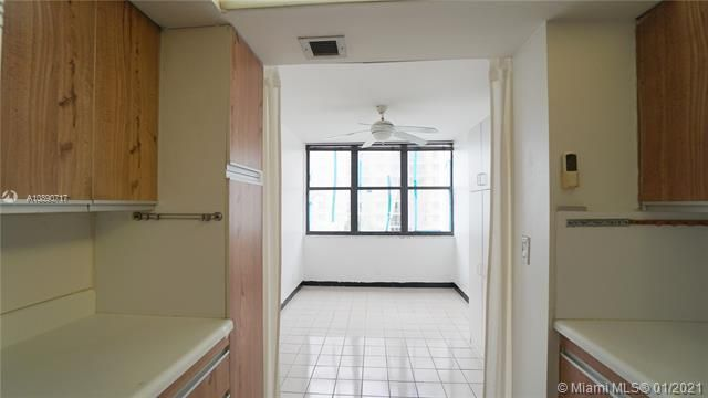 Quadomain Catania for Sale - 2301 S Ocean Dr, Unit 501, Hollywood 33019, photo 13 of 42