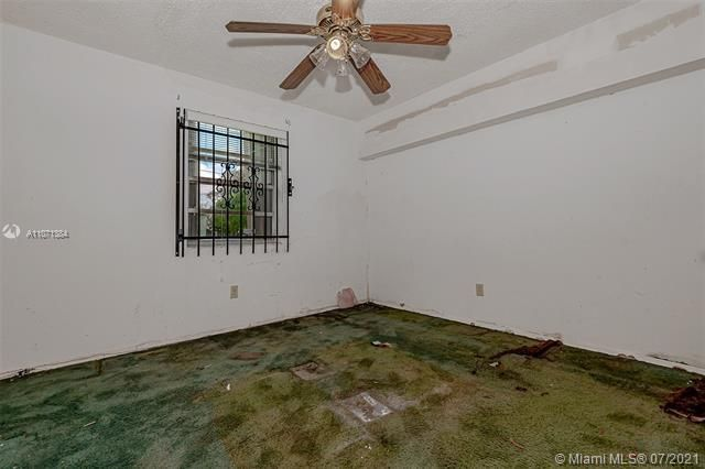Browardale for Sale - 3360 NW 8th St, Lauderhill 33311, photo 13 of 28