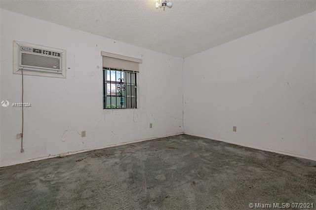 Browardale for Sale - 3360 NW 8th St, Lauderhill 33311, photo 15 of 28
