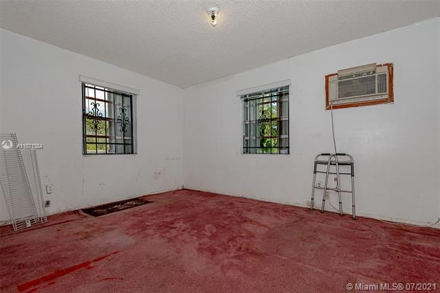 Browardale for Sale - 3360 NW 8th St, Lauderhill 33311, photo 17 of 28