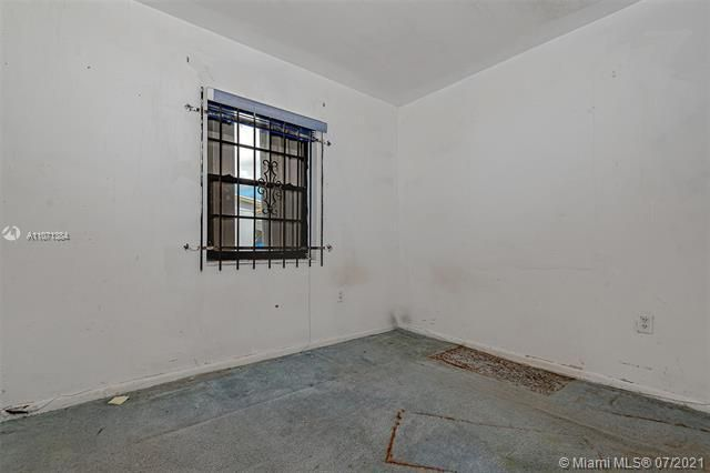 Browardale for Sale - 3360 NW 8th St, Lauderhill 33311, photo 20 of 28