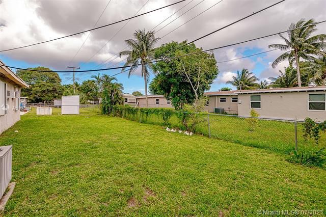 Browardale for Sale - 3360 NW 8th St, Lauderhill 33311, photo 26 of 28