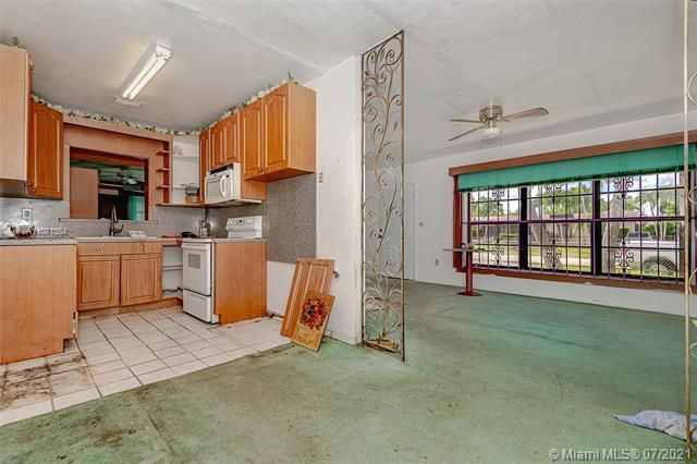 Browardale for Sale - 3360 NW 8th St, Lauderhill 33311, photo 3 of 28