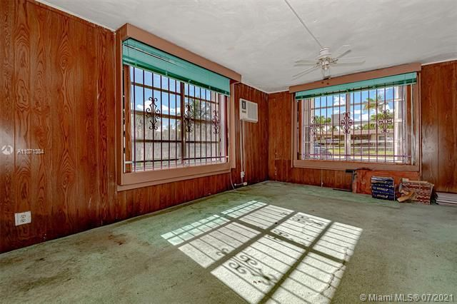 Browardale for Sale - 3360 NW 8th St, Lauderhill 33311, photo 5 of 28