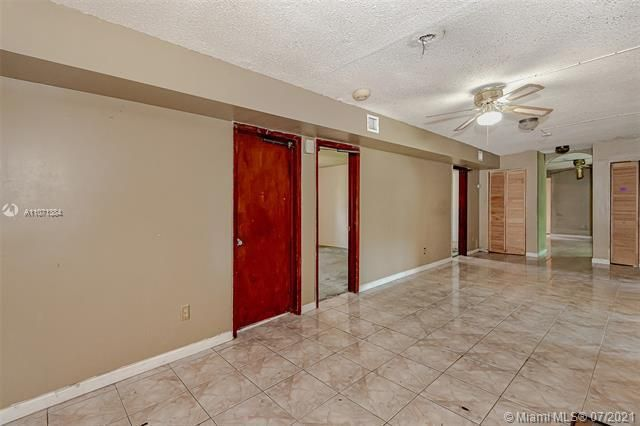 Browardale for Sale - 3360 NW 8th St, Lauderhill 33311, photo 8 of 28