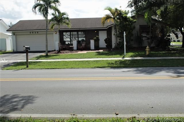 Flamingo Gardens for Sale - 5636 SW 118th Ave, Cooper City 33330, photo 1 of 35